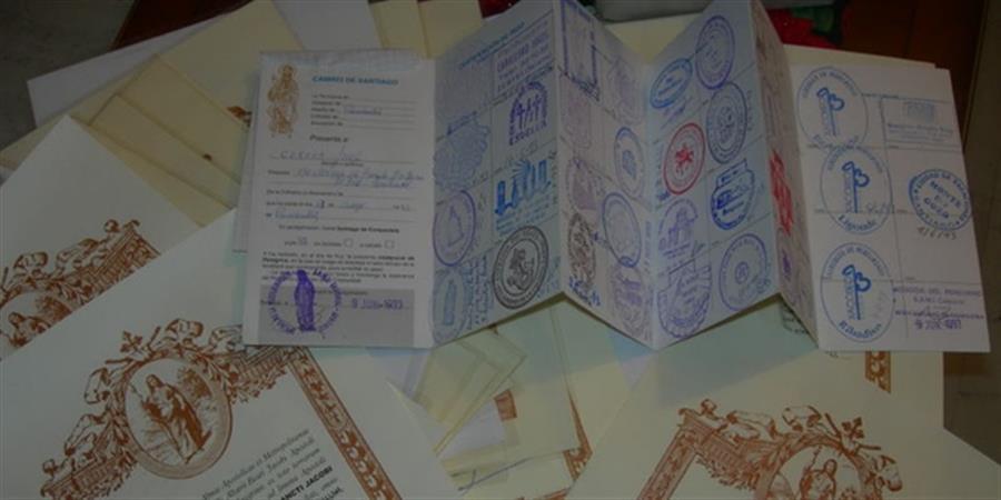 Adhésion et commande de carnet de pèlerin - Amis des Chemins de Saint Jacques en Occitanie