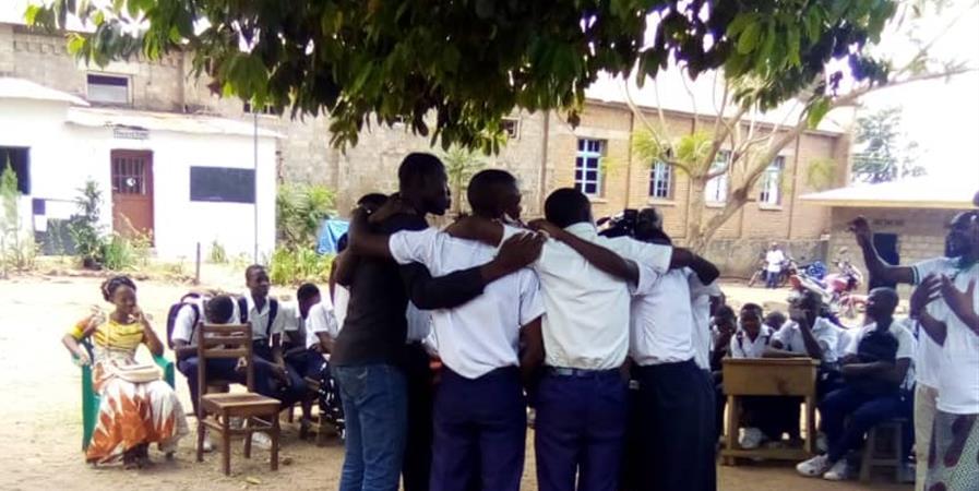 """Adhésion Échanges pédagogiques solidaires avec """" Héritier d'Afrique """" - ONG """"Paix et Bienveillance en Action"""" Centre International de Recherches et de Formations"""