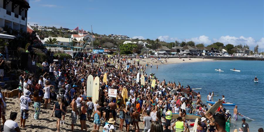 personnes ATTACHÉES au maintien de l'accès à l'Océan à l'île de la Réunion - ocean prevention reunion