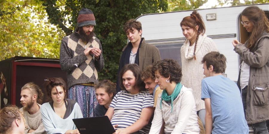 Une jeune compagnie indépendante lance sa première tournée - Fil Vert