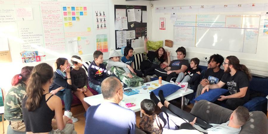 Des bourses d'étude pour Palotchka, l'école démocratique de Nîmes - Palotchka