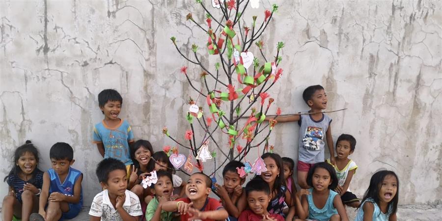 MERRY CHRISTMAS LES OURSINS - Les Oursins* - Enfants des Trottoirs