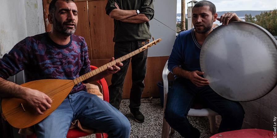 Lavrio, le refuge de l'espoir - Amitiés kurdes de Bretagne