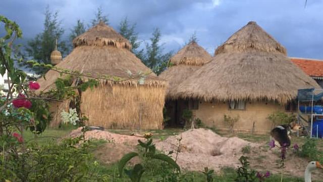 ROOTS CAMBODIA : projet n°1 – ferme pédagogique développement durable - AROONII