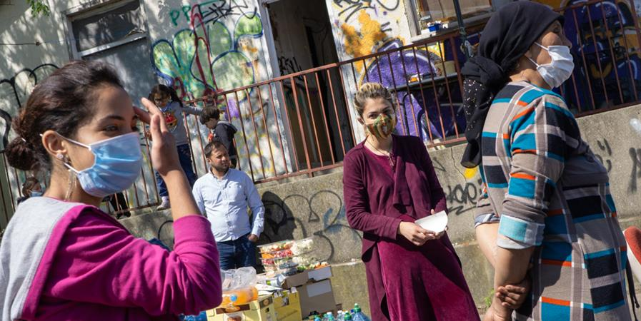 Maraudes auprès des personnes vivant en squats et bidonvilles - Habitat-Cité