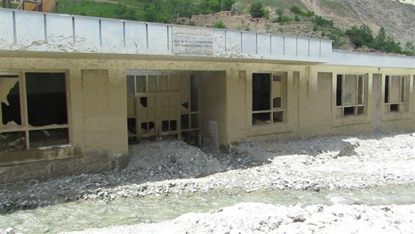 """Reconstruction d""""un lycée afghan détruit par un glissement de terrain en 2016 - NEGAR-AFGHANWOMEN"""