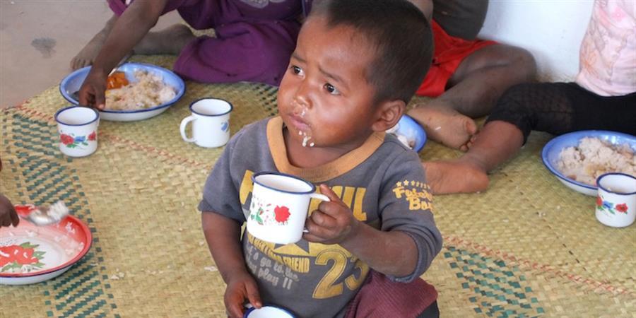Un coup de pouce protéiné pour vaincre la malnutrition. - Enfance et malnutrition