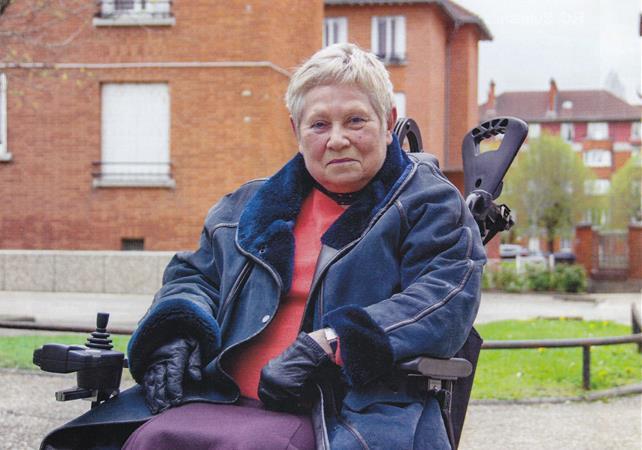 Un fauteuil sur la route - Lions Club de Suresnes