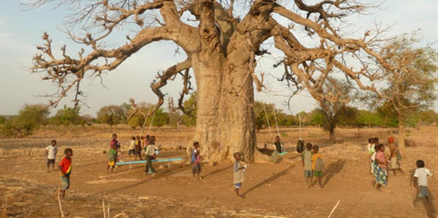 Un barrage de retenue à Nabinkisma au Burkina Faso - Résonance Zanrcin