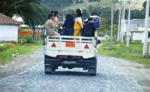 UN Bus pour TOUS - Association Lumieres du Désert