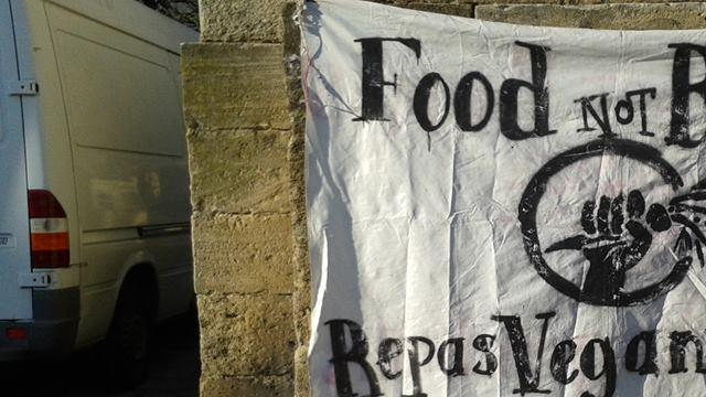 Appel à la solidarité pour soutenir le Food Not Bombs de Bordeaux - ASSOCIO