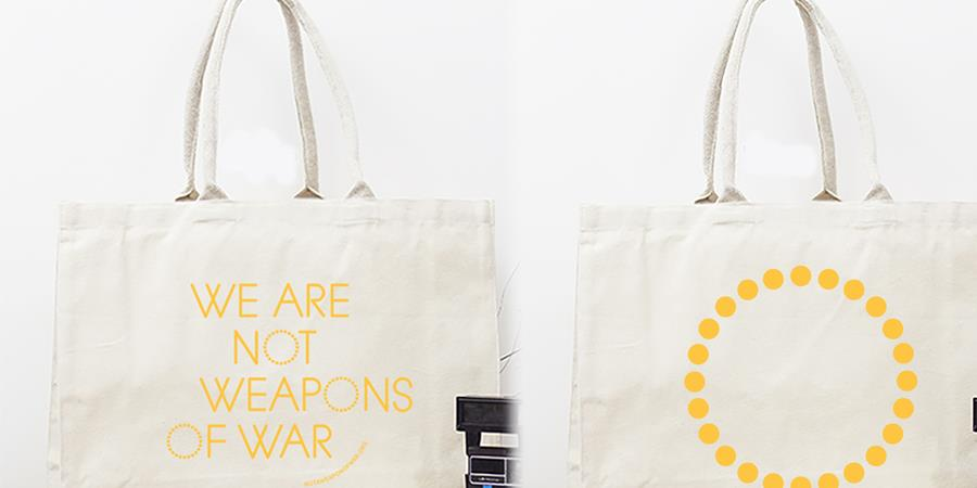 Nouvelle Campagne Tote bag et Cabas  - We are not weapons of war