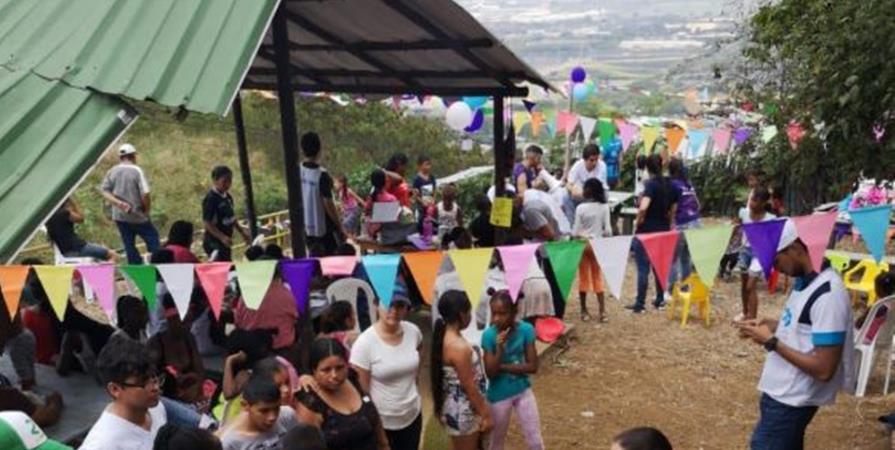 Techo por Colombia - Ensemble pour TECHO