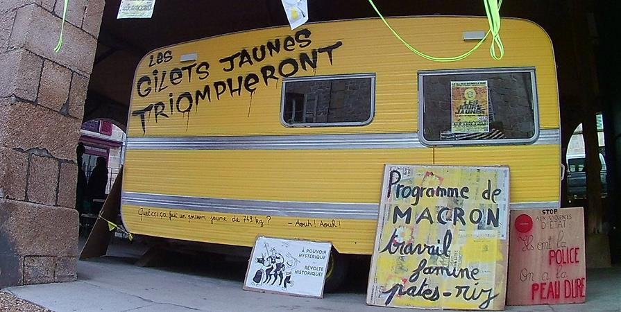 Des prunes pour Carlos Ghosn, pas pour les carlos jaunes - La Plateaule.