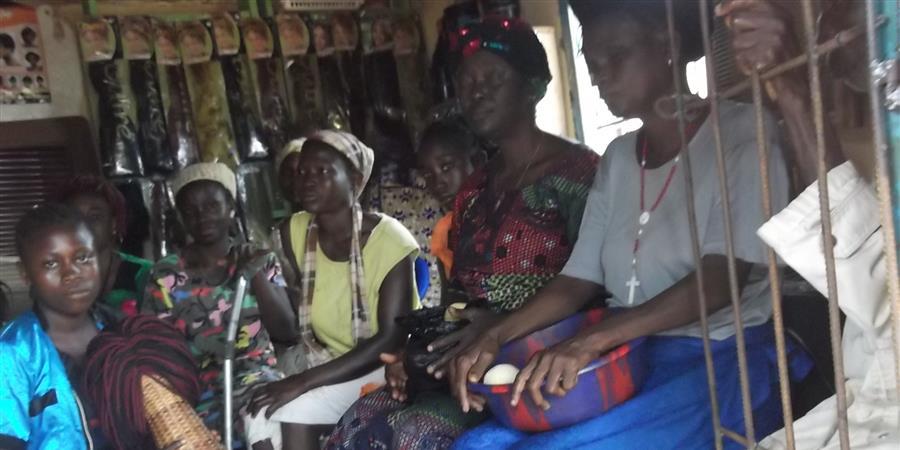 Insertion de 50 jeunes femmes handicapées dans le monde du travail  - Société des Missions africaines