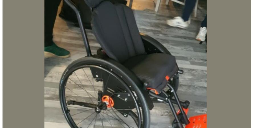 Un fauteuil roulant pour Zakariya - Association ZAKARIYA