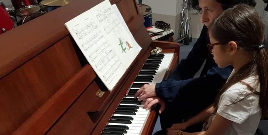 Une touche de générosité pour de petits pianistes - ASSOCIATION LA SEMEUSE