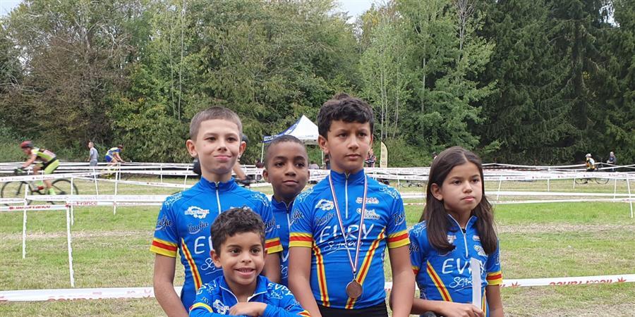 CAMPAGNE SECTION CYCLISTE SCA 2000 EVRY - SCA 2000 Evry cyclisme