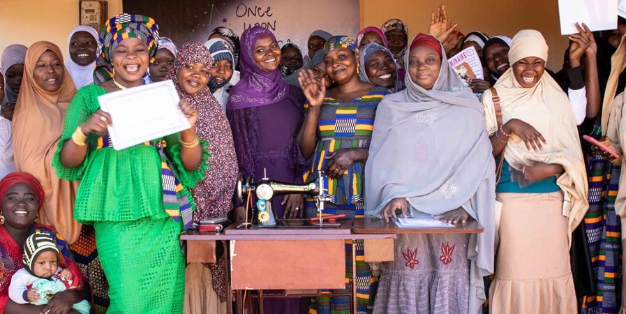 """Centre de formation de couture au Niger """"Sirius"""" - ummanitaire concept"""