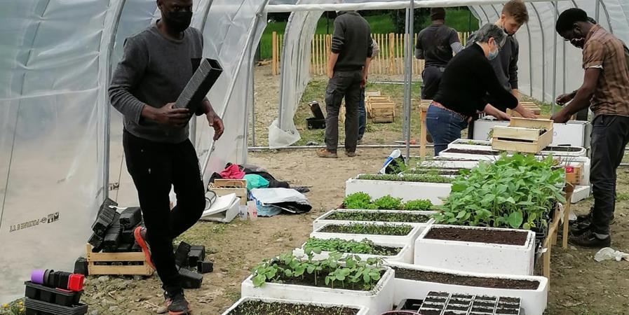 Des outils pour Un Jardin sans Frontières, jardin participatif et solidaire - Un Jardin sans Frontières - Grenoble