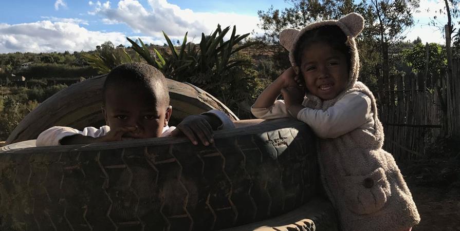 Soutien aux Etudiants en Médecine Malgaches, Futurs Médecins de Madagascar - 2 - ZAZAKELY