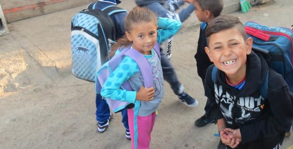L'école : Un droit pour les enfants des bidonvilles - Les Enfants du Canal