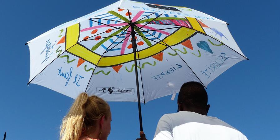 Offrez un parapluie à un réfugié ! - Forum réfugiés-Cosi