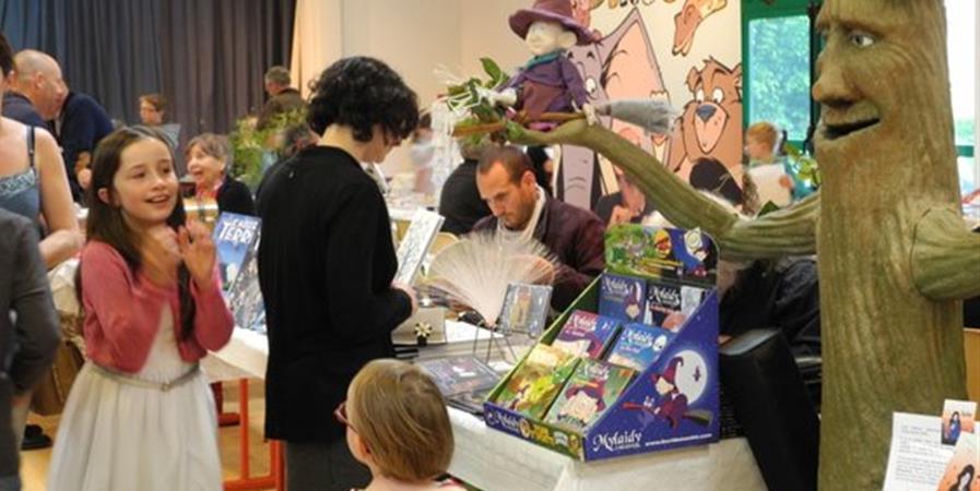 Des livres pour les enfants - 6ème Salon du livre Jeunesse de Louargat 2021 - 1001 Pages