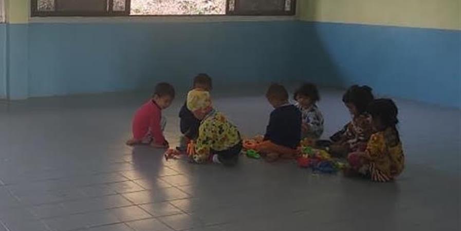 Aménagement d'une salle de classe pour les petits dans un village  de Thaïlande - ABCD pour tous