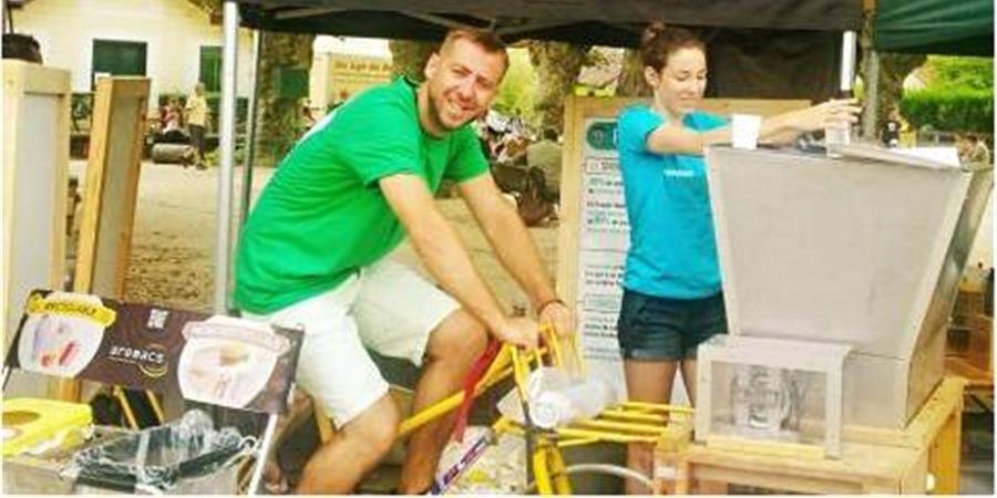 Solution écoévènementielle : faire vélobroyer la vaisselle compostable !!! - AREMACS Pays de la Loire