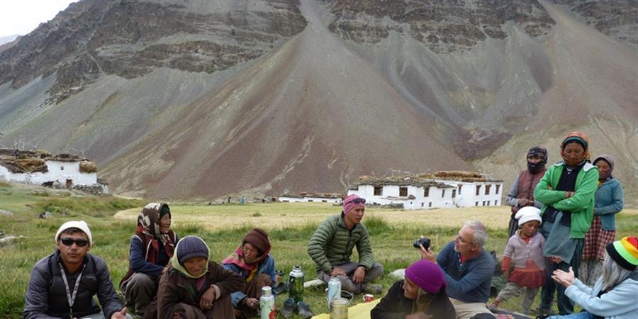 construction de douches municipales pour un village au zanskar Inde - les routes de l'inde et d'ailleurs