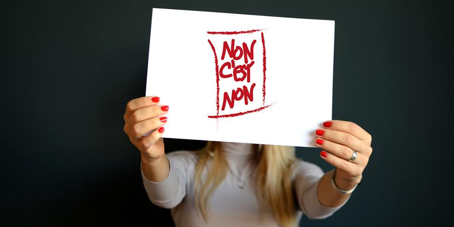 Pin's Non c'est Non contre le harcèlement et les agressions sexuelles au travail - Non c'est Non