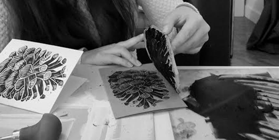 Fabriquer un tampon en linogravure - La Nouvelle Imagerie