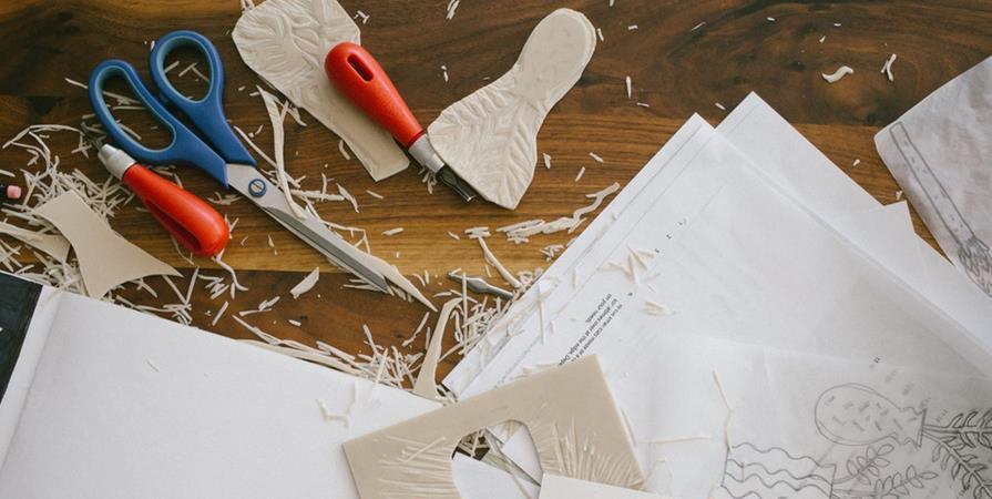 Atelier création de ta couronne en carton  - Salon Saint-Maur en Poche
