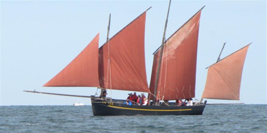 VOILE TRADITIONNELLE SAINT VAAST LA HOUGUE - Centre Nautique Est Cotentin