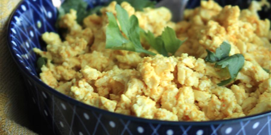 Démo recette : du Tofu façon oeufs brouillés - Merci Bernard