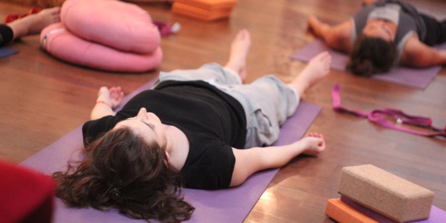 Lundi 1er et 8 mai : Séance de yoga détente, respiration, méditation d'1h15 - L'air ivre