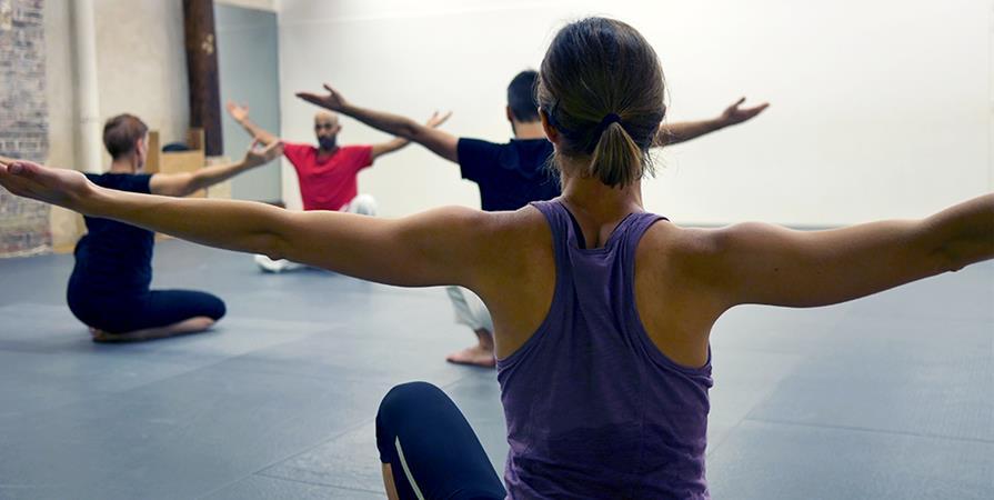 10 Mars : Stage tous niveaux de Hatha / Raja Yoga au Dojo Tenchi - Indian Swaas