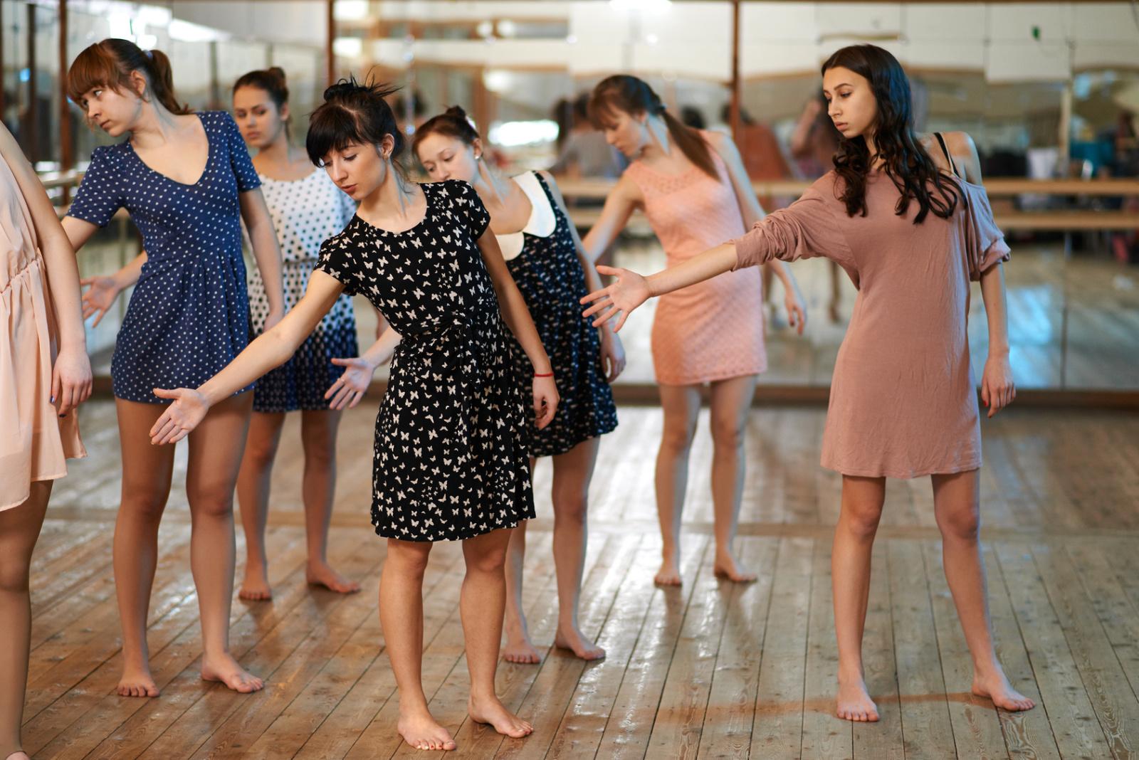 Cours de danse contemporaine - Clafoutis & Cie