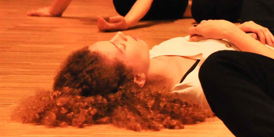 Week-end du 29-30 octobre : Stage de Body-Mind Centering® avec Aurélie - L'air ivre