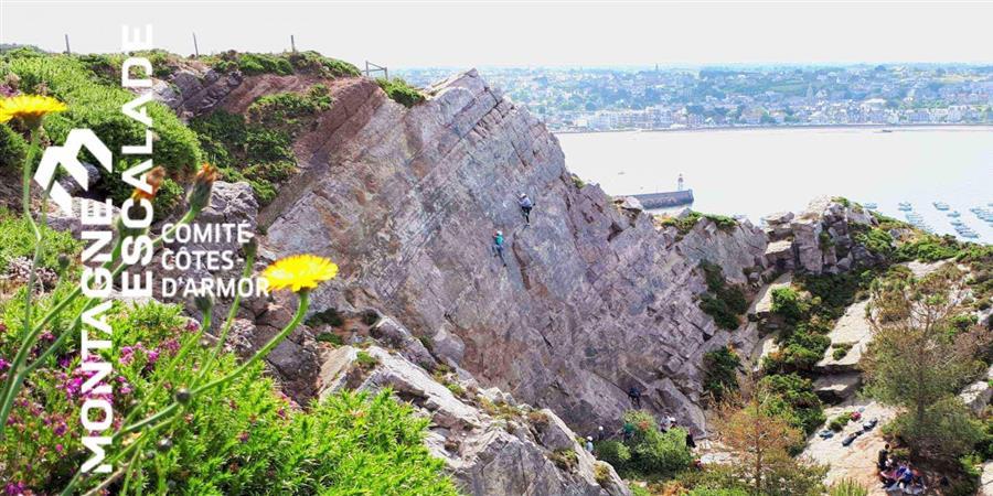 Escalade découverte Erquy Les Lacs Bleus - Vendredi 19 juillet - Comité Territorial de la Montagne et Escalade des Côtes d'Armor