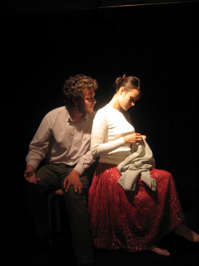 Cours de théâtre préparation aux concours tarifs 180€ le mois - La Comète Ecole d'Art