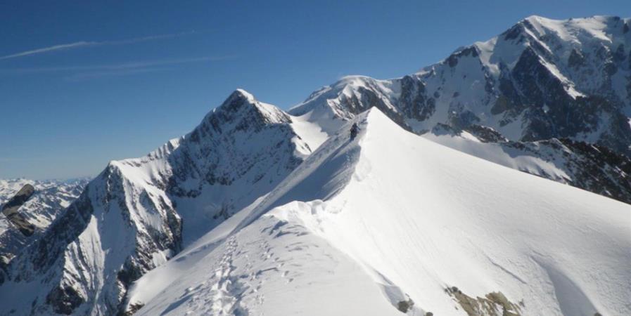 Stage n°1743 Ski-Alpinisme - Les Dômes de Miage - LIGUE ILE-DE-FRANCE MONTAGNE ET ESCALADE