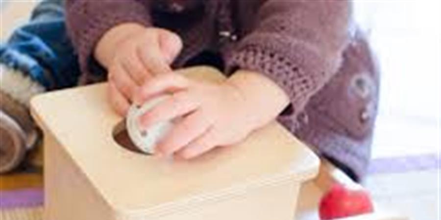 découverte d'1 partie du matériel 0-3 A, et gds principes 0-3A, 2ème atelier - Association Montessori : aide-moi à faire seul