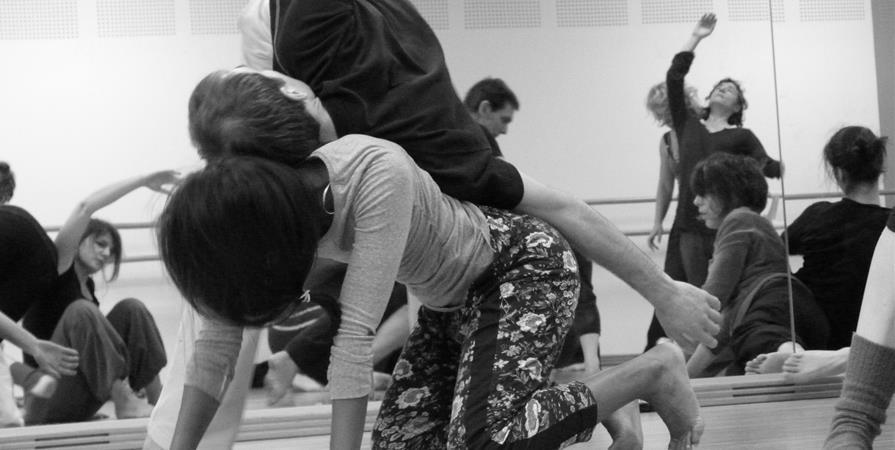 Survivre au contact improvisation avec Alice Le Guiffant 7 et 8 septembre - Association Envol