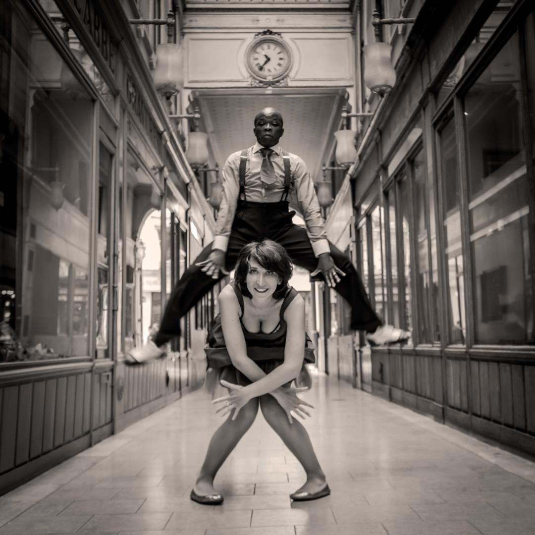 lindy hop The lindy hop is an american dance which was born in harlem, new york city in 1928 and has evolved since then with the jazz music of that time it was very popular.