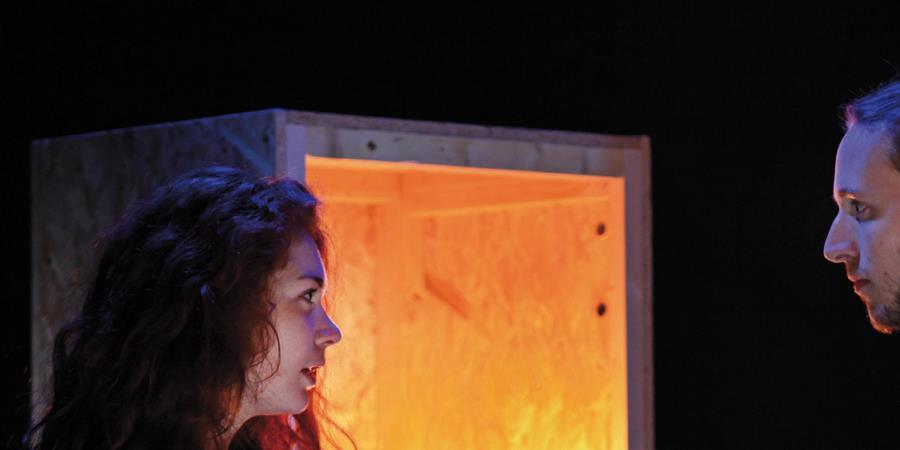 Il faut qu'une porte soit ouverte ou fermée - Théâtre des Sentiers - Les Bravos de la Nuit