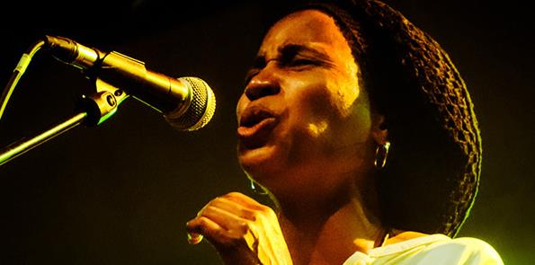 Dim 09/06 - Jazz dans les Près invite NATALIA M.KING  - Ferme Culturelle du Bessin