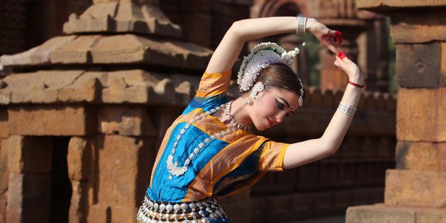 Cours particuliers avec Chloé - Natyamandir Danses de l'Inde