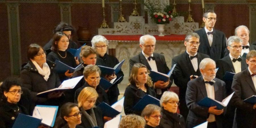 le choeur PIZZICATI chante pour l'association VMEH 33 - vmeh33